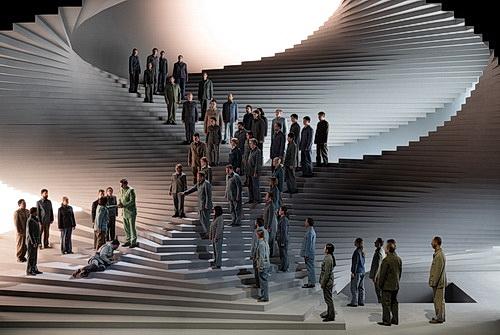 Gefangene im Kerker des Treppenhauses